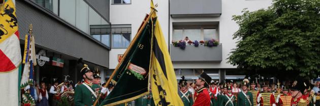Fahnenweihe und 60. Wiedergründungsfest in Steinfeld
