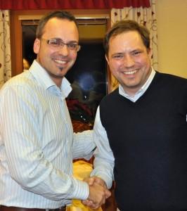 Hptm Ellersdorfer gratuliert Trb Wolte zur Wahl