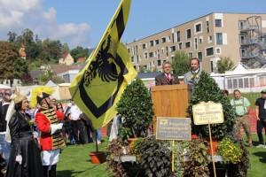 Bgm Mock und Vzbgm Egger eröffnen den Wiesenmarkt